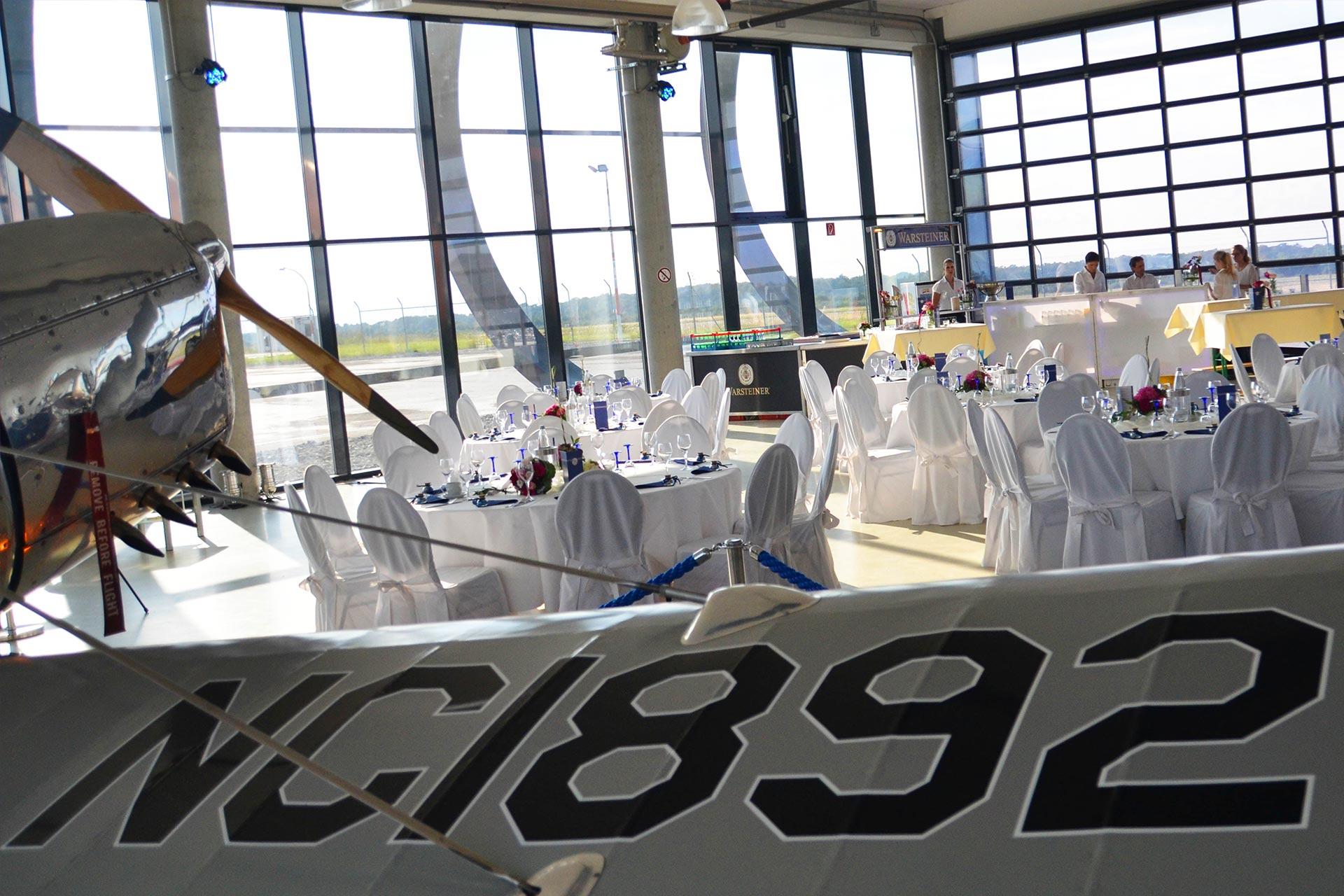 Quax-Hangar-Paderborn-Flughafen-Event-Slider01