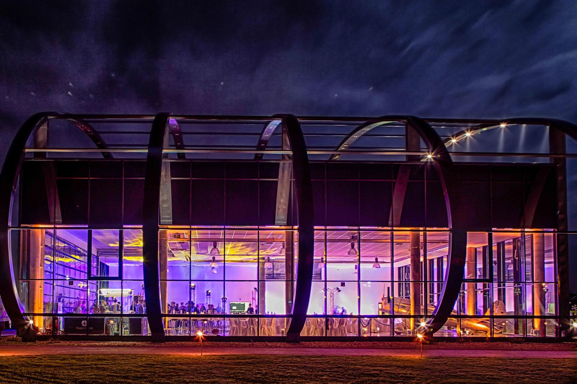 Quax-Hangar-Paderborn-Flughafen-Event-Slider02